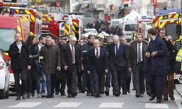 Kết thúc bố ráp khủng bố Paris: 7 người bị bắt, 2 người chết
