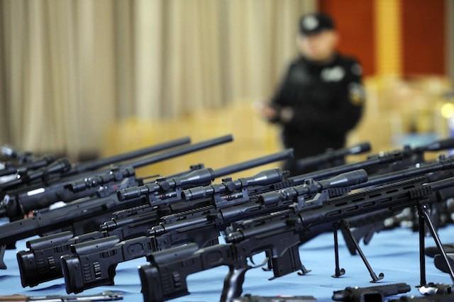 Trung Quốc phá đường dây bán vũ khí, thu giữ 1.180 khẩu súng