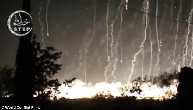Nga bị tố sử dụng bom hóa học chết người tại Syria