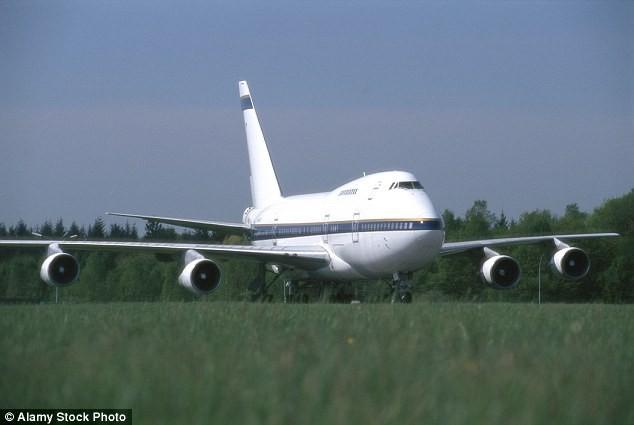 Tìm chủ nhân ba máy bay 'bỏ hoang' hơn một năm tại sân bay