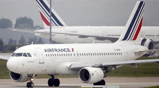 Máy bay Pháp hạ cánh khẩn cấp vì nghi ngờ có gài bom