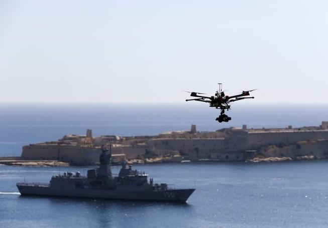 IS chế tạo máy bay không người lái có vũ trang