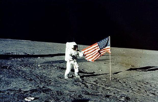 Lời giải cho 'thuyết âm mưu' Mỹ giả đáp tàu vũ trụ lên mặt trăng
