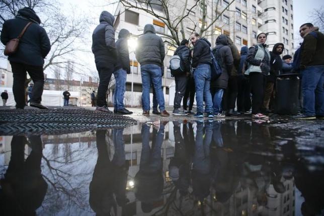Đức nhận hàng trăm tin tình báo IS giả làm người tị nạn