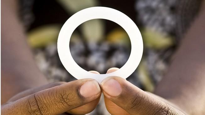 Đột phá về vòng 'khử' lây nhiễm virus HIV cho nữ