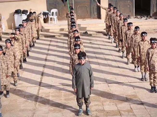 Hơn 31.000 thai phụ kẹt lại trong lãnh địa IS