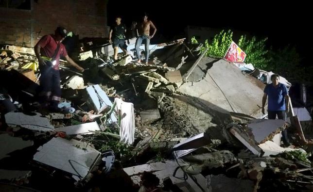 Động đất Ecuador: 77 người thiệt mạng, ban bố tình trạng khẩn cấp