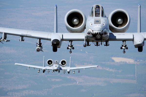 6 máy bay quân sự Mỹ tuần tra bãi cạn Scarborough