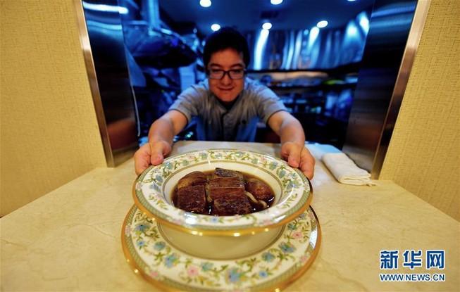 Sốc với bát mì bò gần 7 triệu đồng ở Đài Loan
