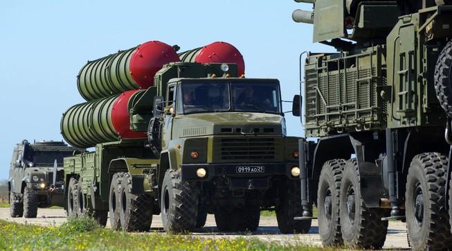 Nga tăng tốc giao tên lửa S-300 cho Iran trước thời hạn