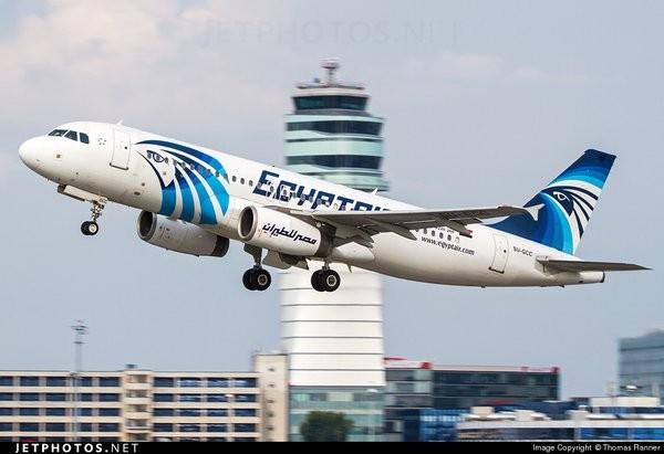 Nóng: Máy bay Ai Cập chở 69 người mất tích