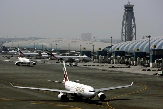 Chàng trai Trung Quốc trốn trong khoang hành lý bay tới Dubai