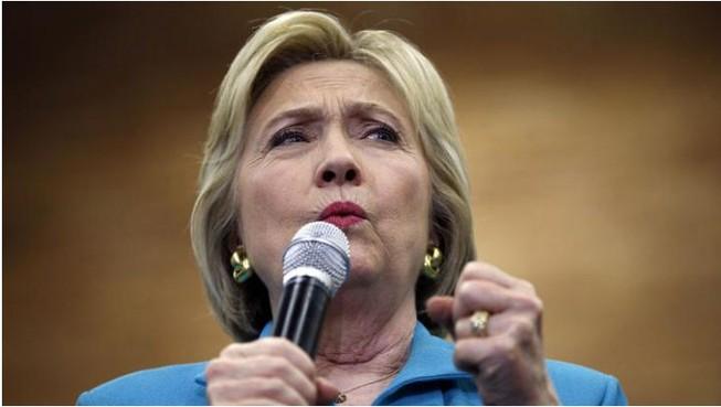 Bà Hillary bất ngờ 'về đích sớm', giành ghế đại diện đảng Dân chủ