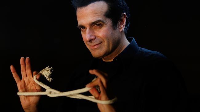 Hé lộ bí ẩn sau màn ảo thuật nổi tiếng của David Copperfield