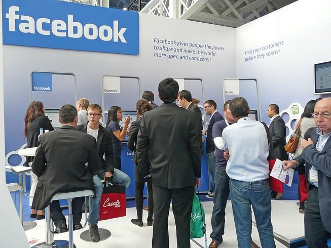 Algeria mở bệnh viện điều trị 'nghiện Facebook'