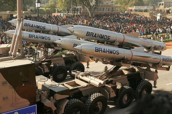Ấn Độ muốn bán tên lửa hành trình siêu thanh cho Việt Nam