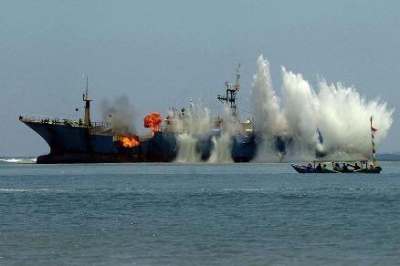 'Hạm đội' tàu cá Trung Quốc càn quét nguồn cá khắp thế giới