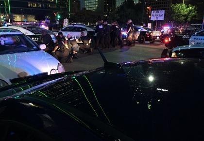 11 cảnh sát Mỹ bị bắn tỉa, 5 người thiệt mạng