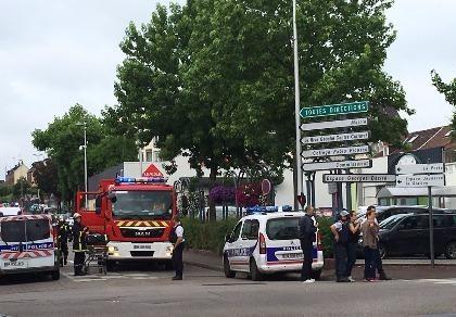 Tấn công bằng dao tại nhà thờ Pháp, ít nhất 1 người chết