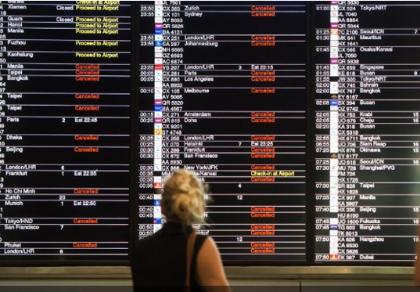 Bão Nida đổ bộ Hong Kong, hàng trăm chuyến bay bị hủy