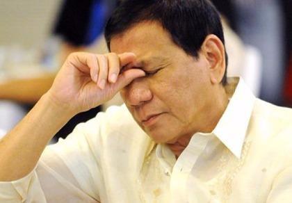 Tổng thống Duterte khóc trong đau đớn vì con gái sẩy thai