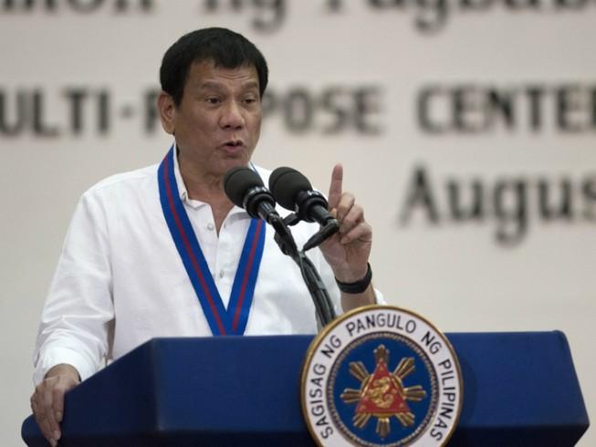 Ông Duterte lại văng tục, mắng EU 'đạo đức giả'