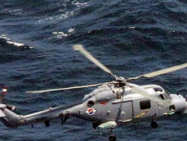 Tập trận với Mỹ, trực thăng Hàn Quốc rơi xuống biển