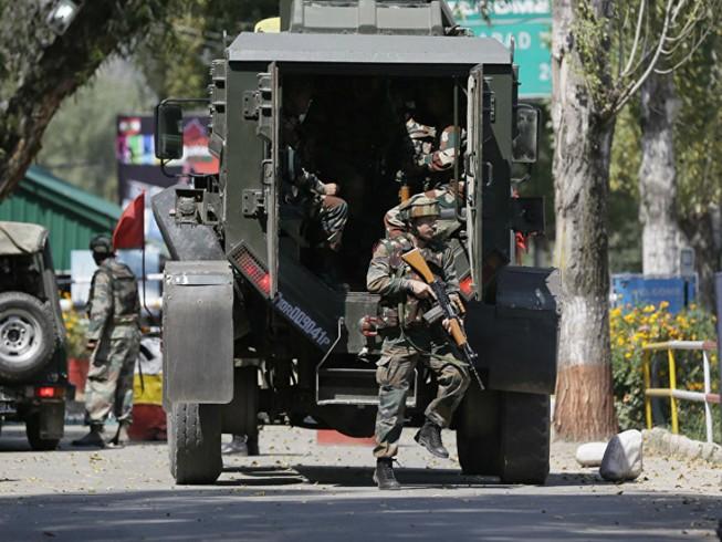 Doanh trại quân đội Ấn Độ ở Kashmir bị tấn công