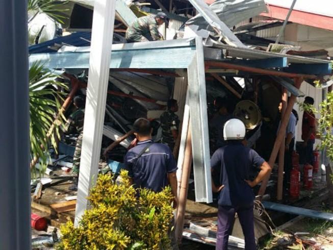 Trực thăng đâm vào trường học ở Malaysia