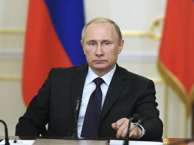Putin lệnh cho quan chức đưa toàn bộ người thân về nước