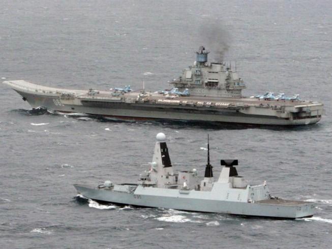 Nga đưa hạm đội rầm rộ áp sát eo biển Anh