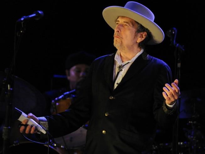 Viện sĩ Thụy Điển nổi đóa chỉ trích Bob Dylan kiêu ngạo