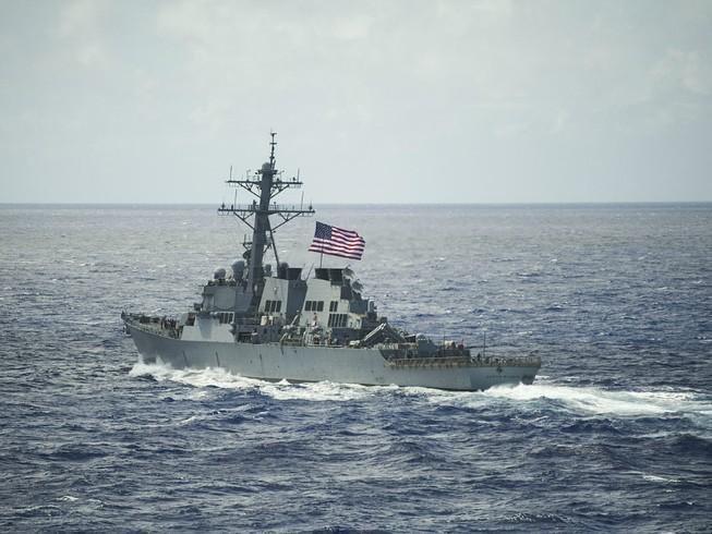 Thấy gì từ việc tàu Mỹ tuần tra ở biển Đông?