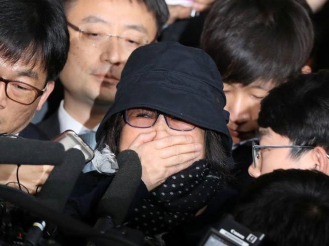 Nhiều đại gia Hàn Quốc dính đến 'bà đồng' Choi Soon-sil
