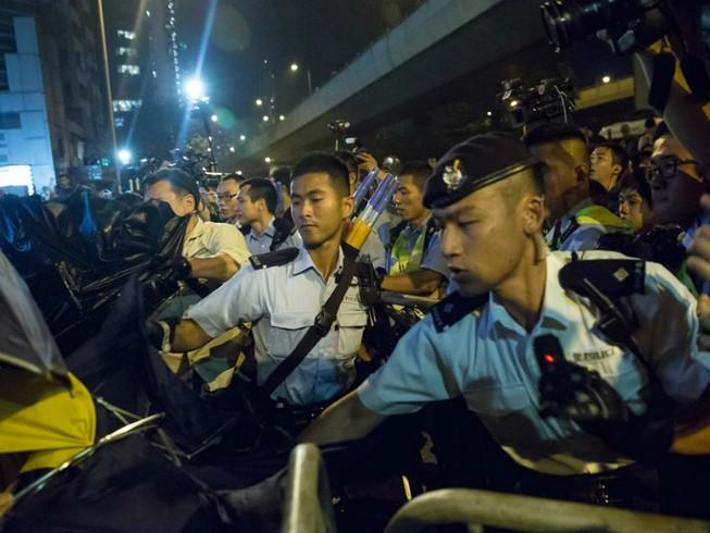 Biểu tình tại Hong Kong leo thang bạo lực
