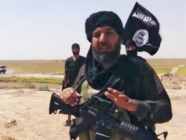 Năm thủ lĩnh IS trộm hàng triệu USD bỏ trốn