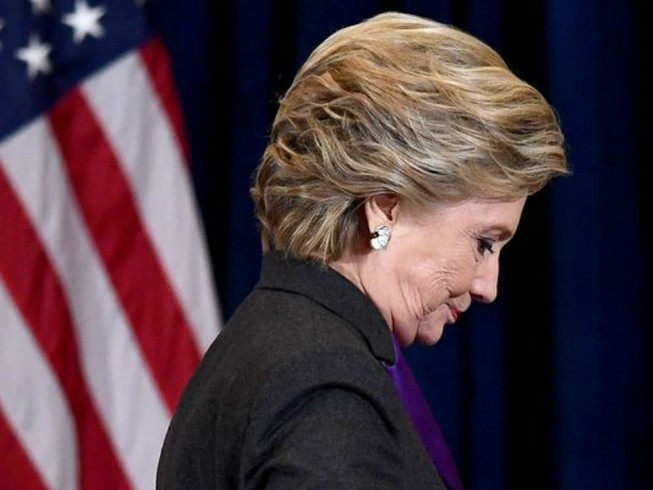 Hillary Clinton diễn văn xúc động, chấp nhận thất bại