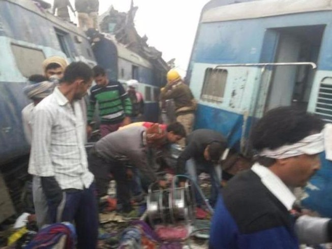 Ấn Độ: Xe lửa trật đường ray, hơn 60 người chết