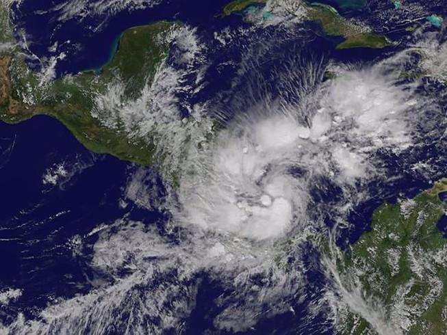 Costa Rica tuyên bố tình trạng khẩn cấp vì siêu bão