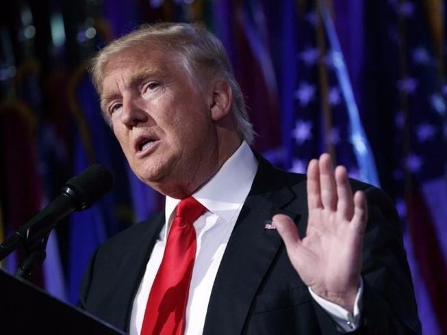 Ông Trump lên tiếng việc kiểm phiếu lại là 'lừa đảo'