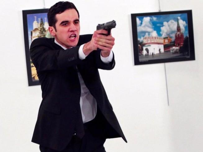 Hung thủ ám sát đại sứ Nga là do người tình giật dây?