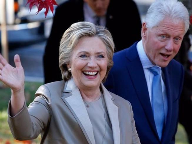 Vợ chồng Clinton sẽ dự lễ nhậm chức của ông Trump
