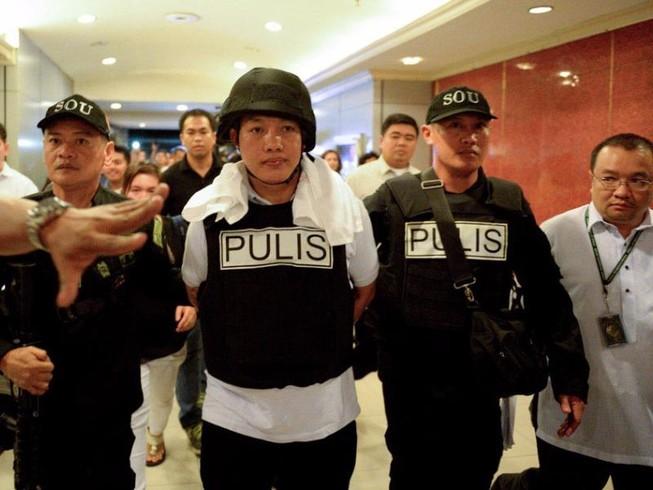 Ông Duterte đòi treo cổ 20 cảnh sát 'bẩn'