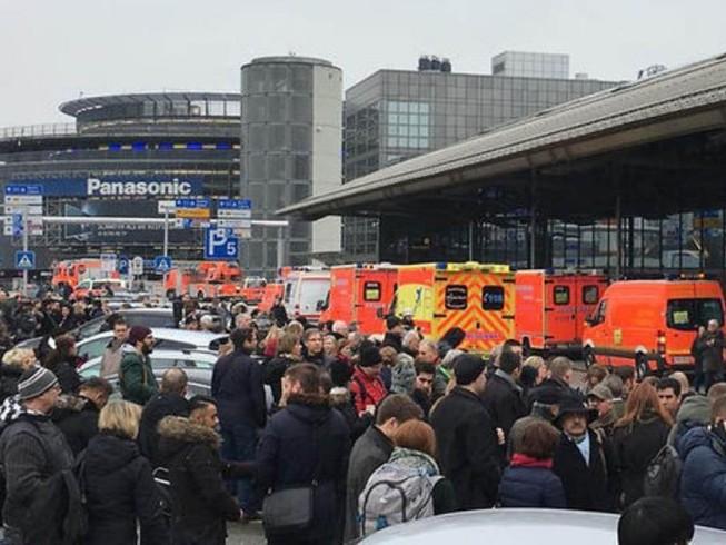 Hơn 50 người bị thương tại sân bay Hamburg vì chất lạ