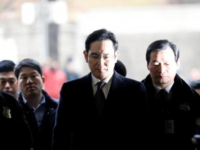 Thái tử Samsung lại bị triệu tập thẩm vấn