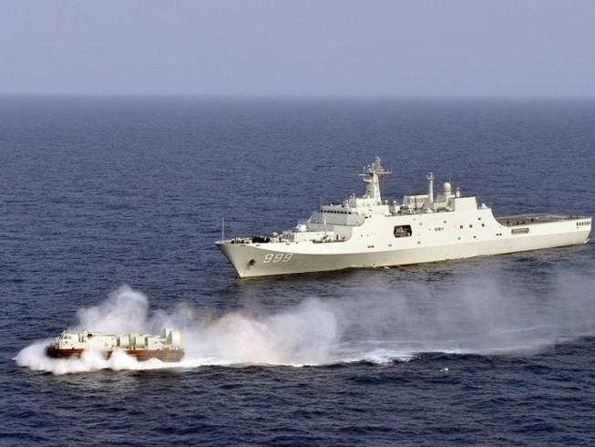 TQ ngang nhiên tập trận 'tấn công bất ngờ' ở biển Đông