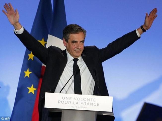 Lo khủng bố, ứng cử viên TT Pháp đòi hoãn bầu cử