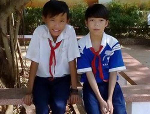 Hai học sinh nhặt được 5,5 chỉ vàng, trả lại người mất