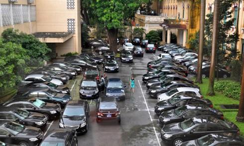 Gần một tỉ đôla tài sản Nhà nước là xe công