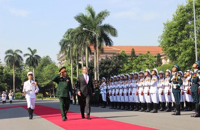 Việt - Mỹ ký 'Tuyên bố tầm nhìn chung về quan hệ quốc phòng'